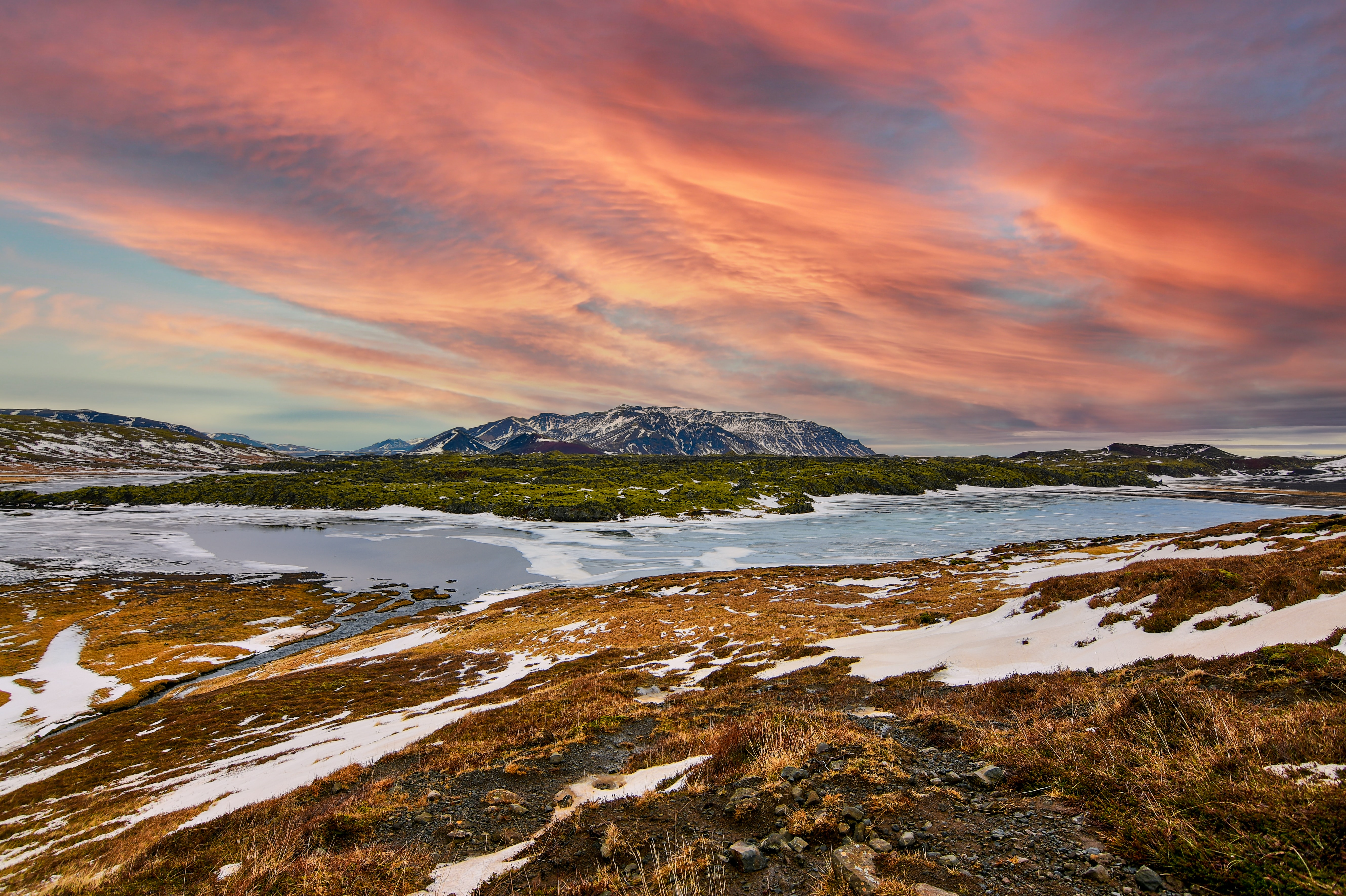 Best Lakes in Iceland