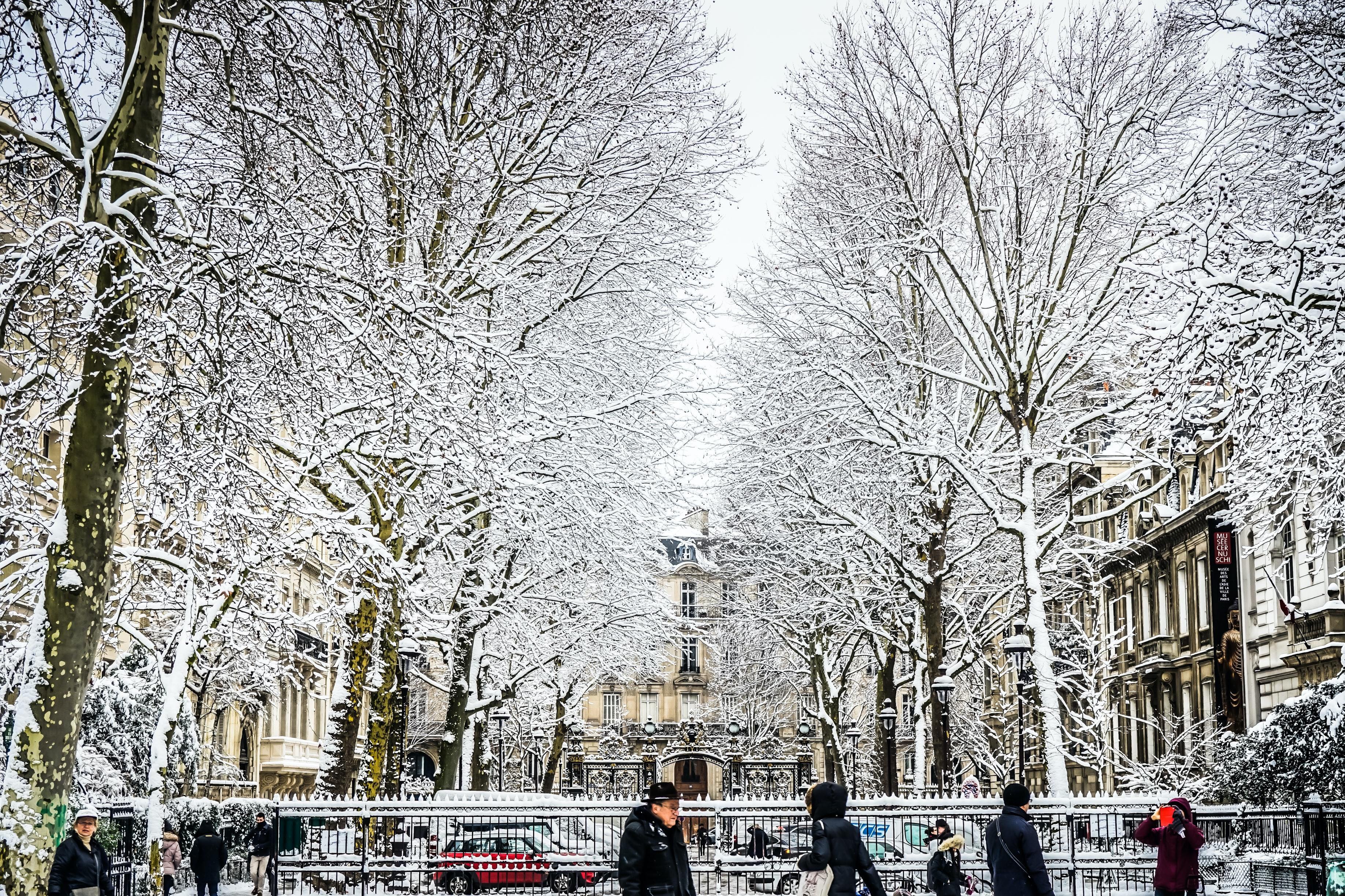 Monceau Parc, beautiful parks in Paris, France