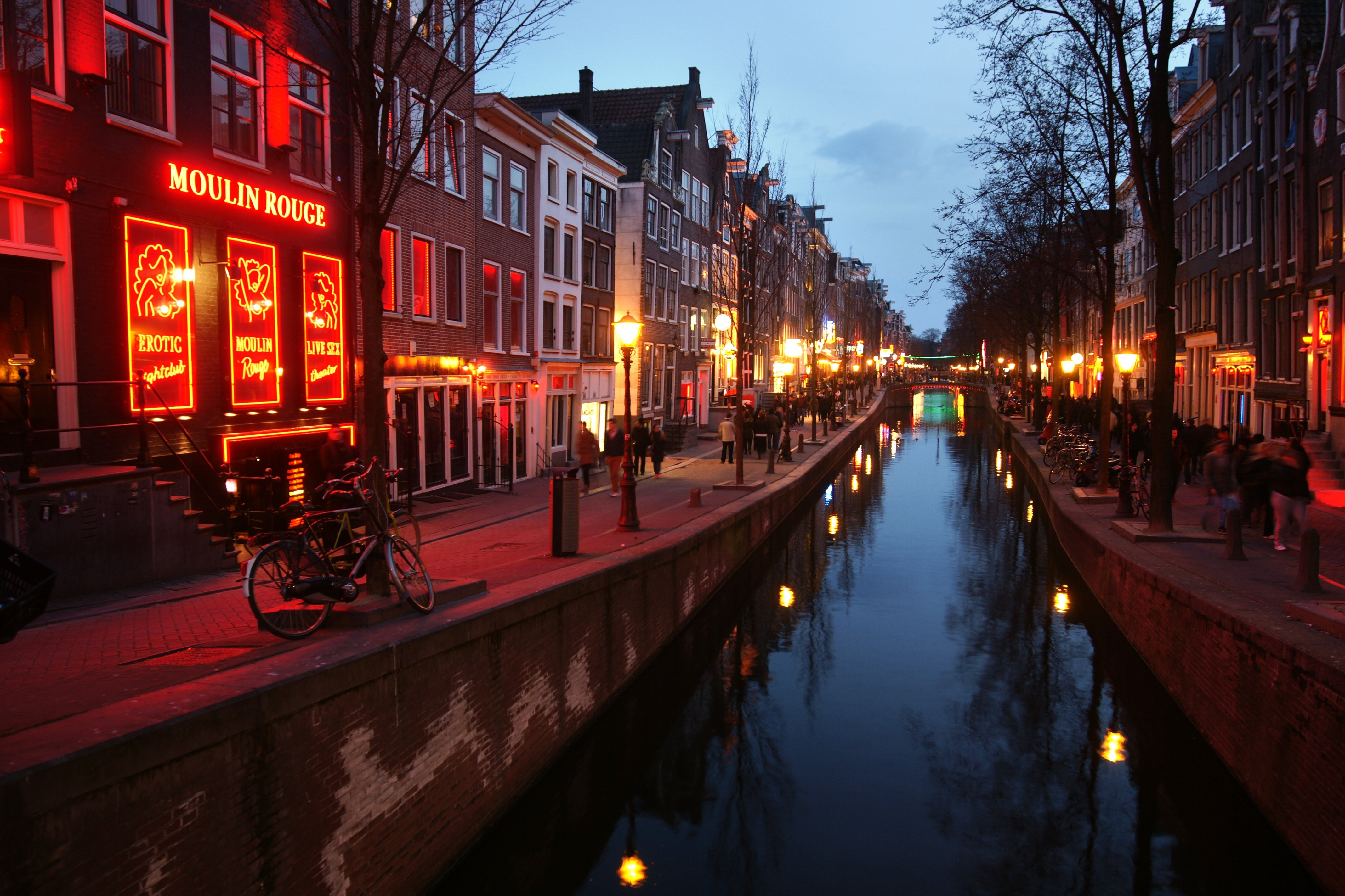 Take a walk down the streets of the Red Light District, Things To Do In Amsterdam