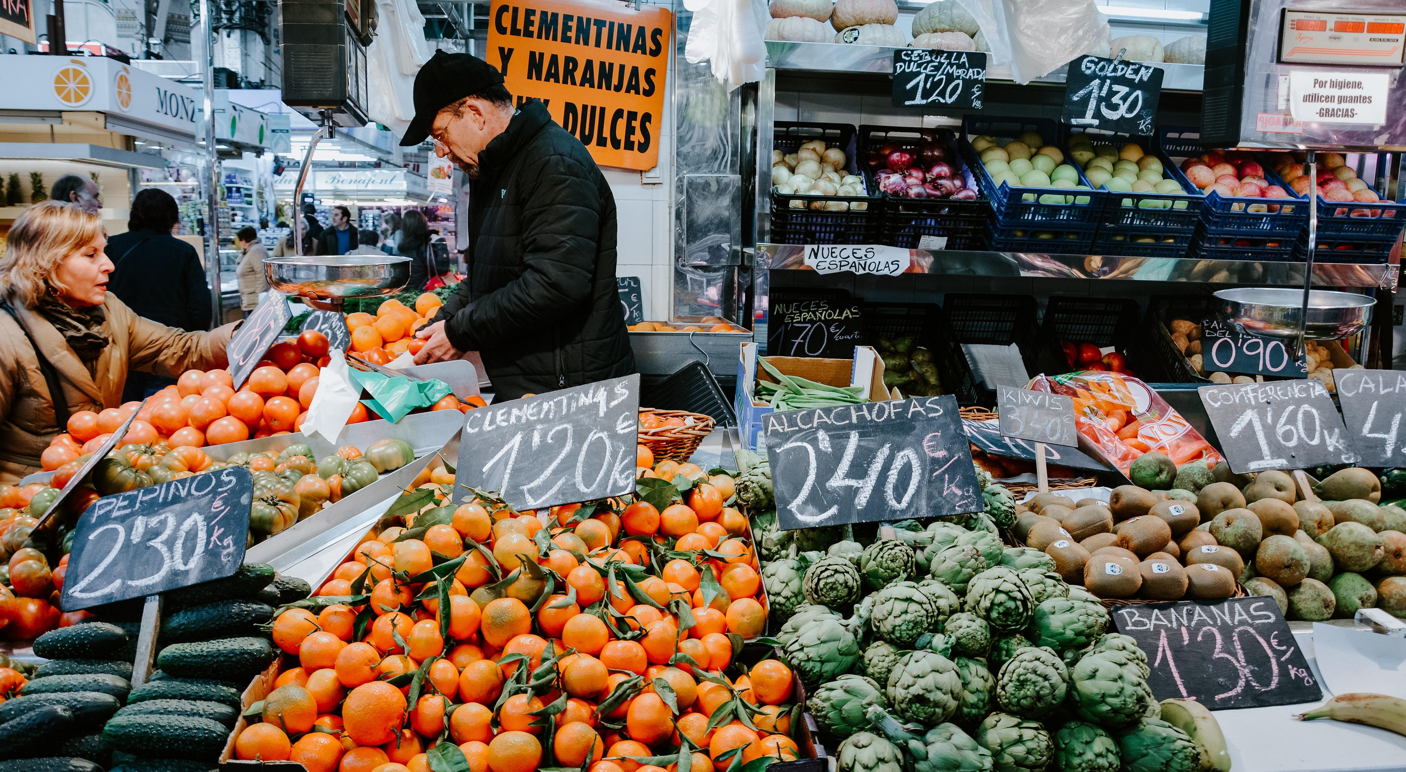 Stroll around the Central Market