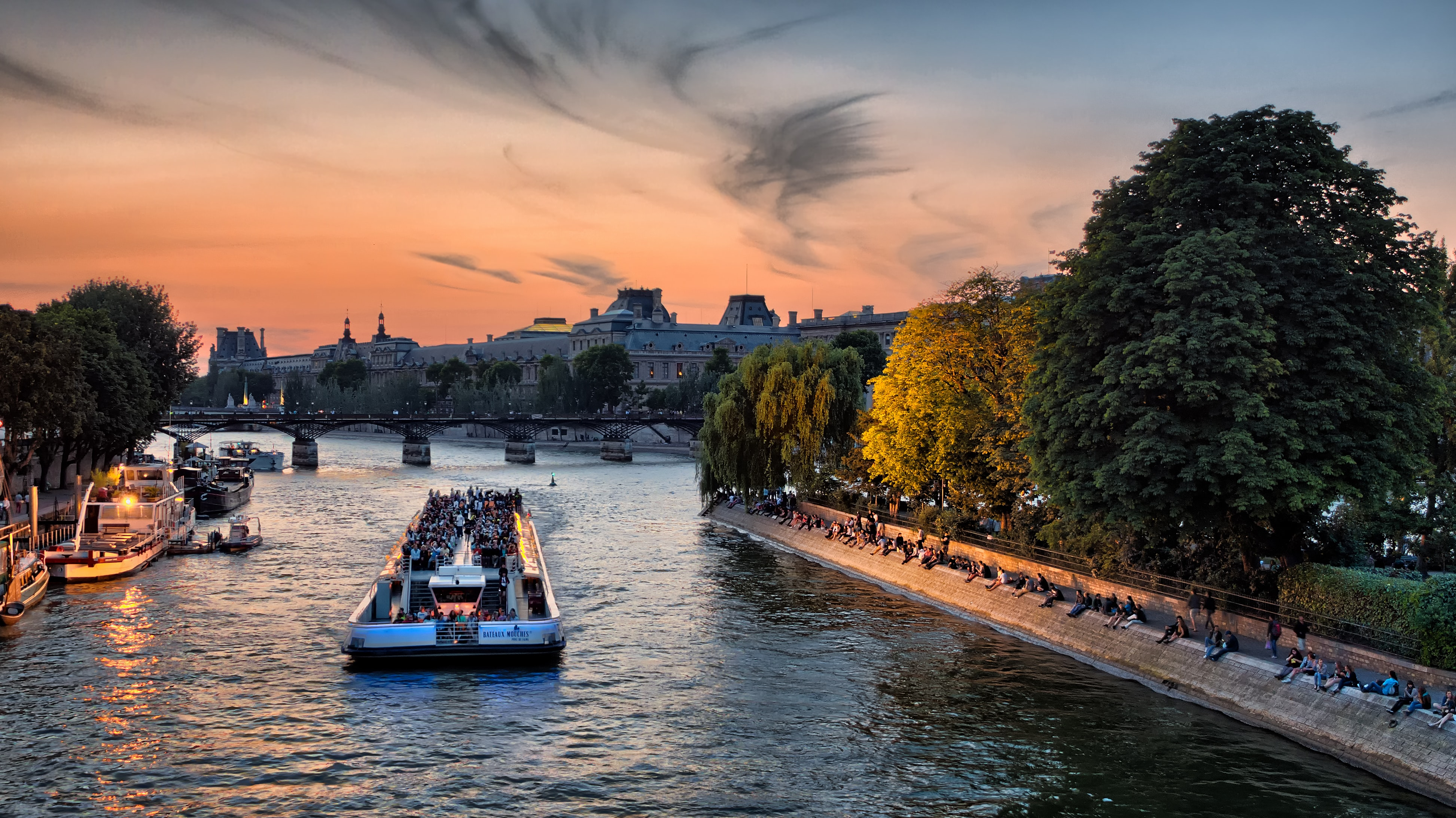 Cruise in Seine River, Things To do in Paris in December