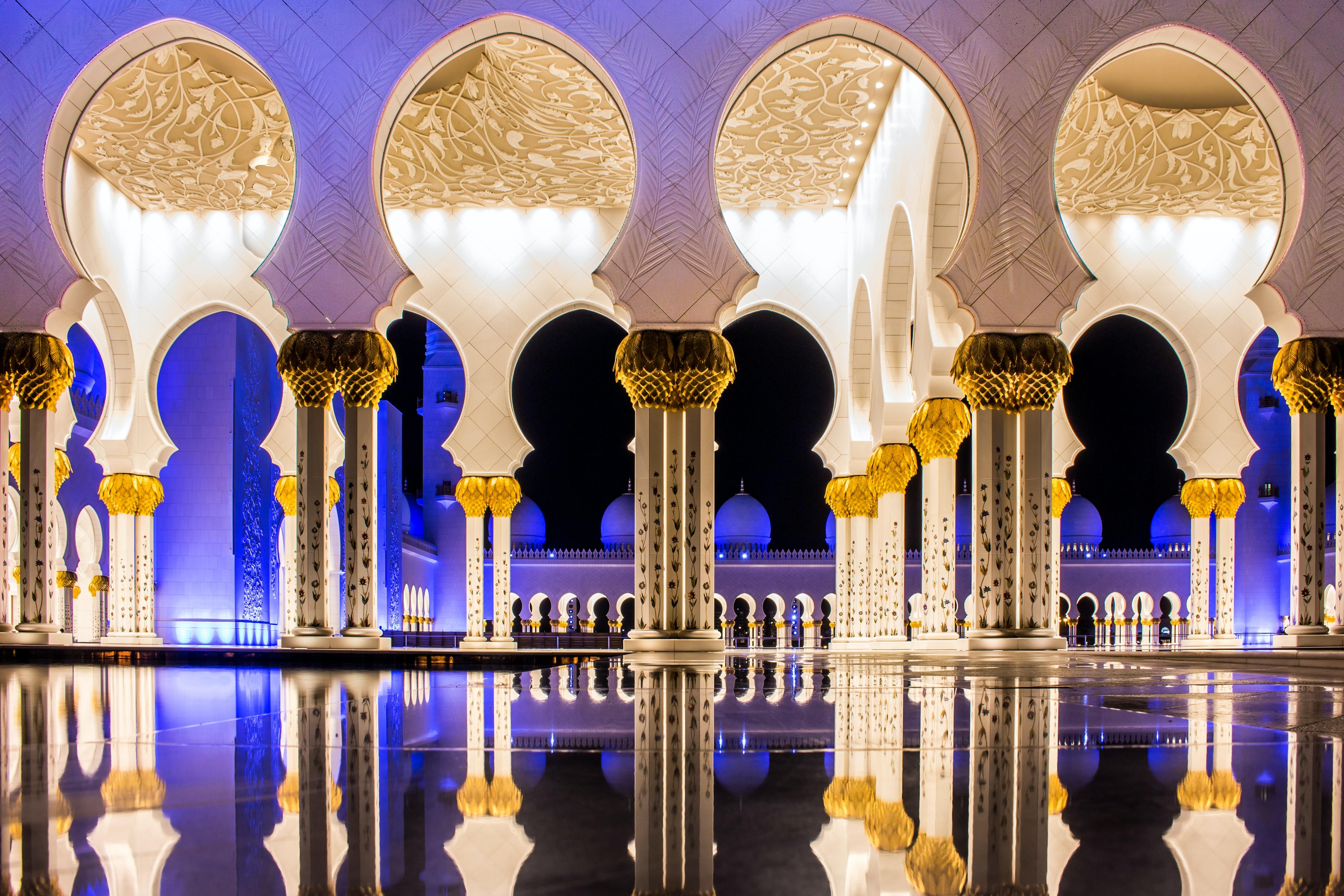 Sheikh Zayed Grand Mosque, Dubai Abu Dhabi tour itinerary