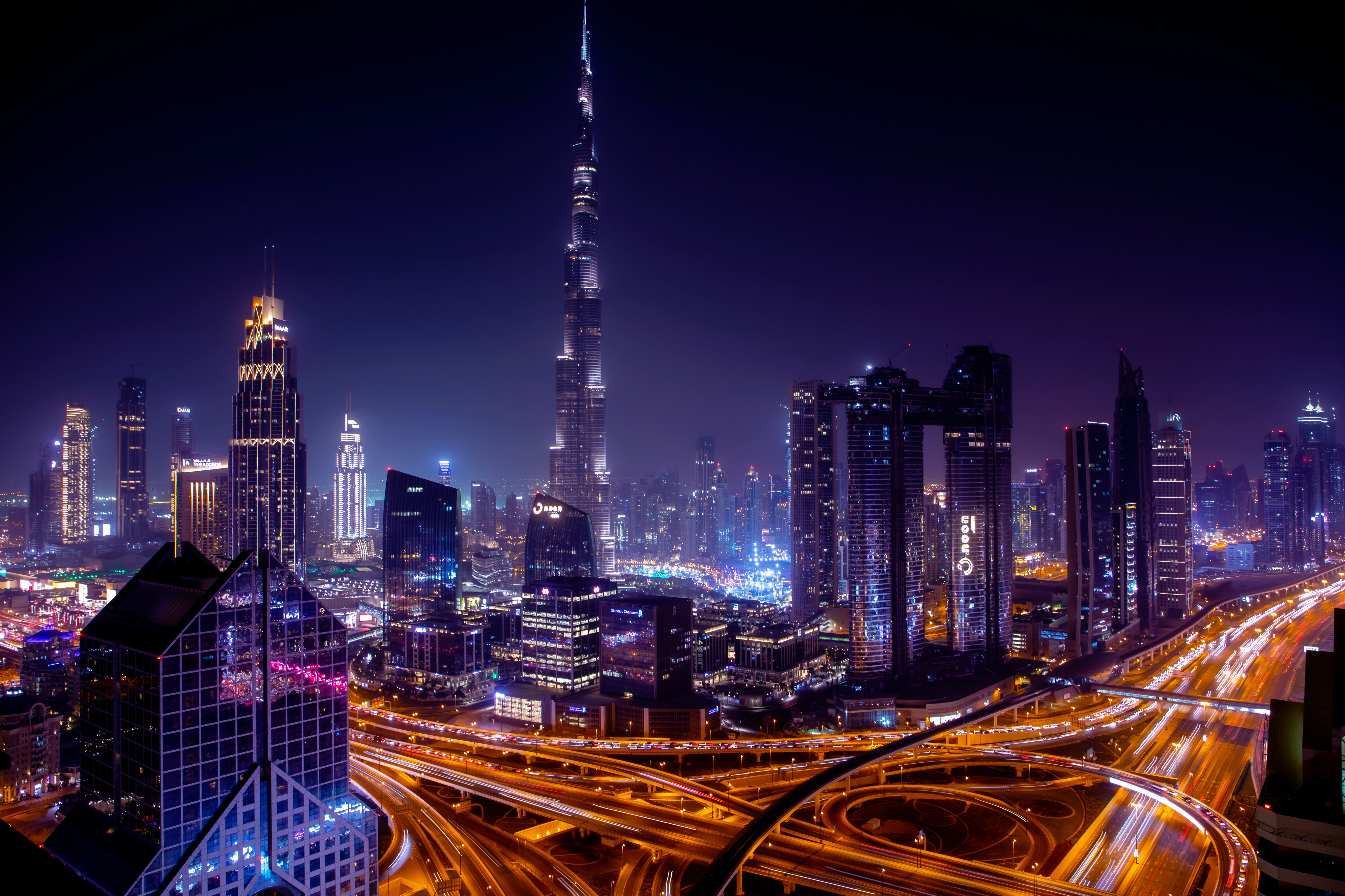 How to reach Dubai from Delhi