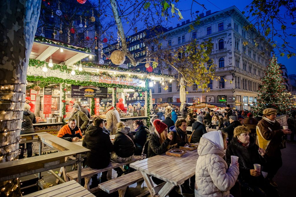 Christmas Markets in Europe, Vorosmarty Square Christmas Market