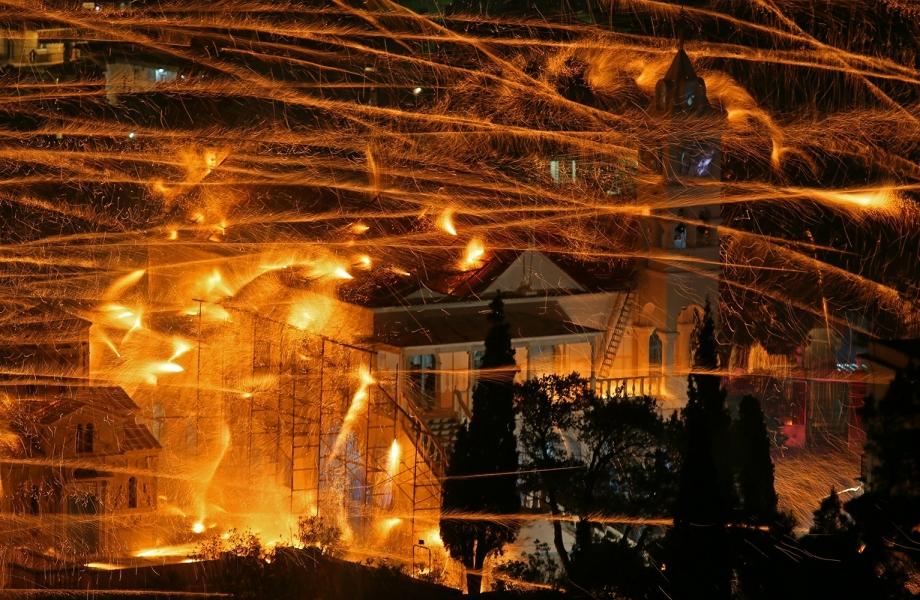 holysaturday0715-firework-battles