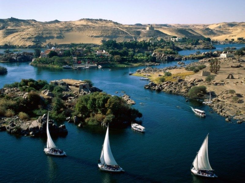 feluccas-on-the-nile