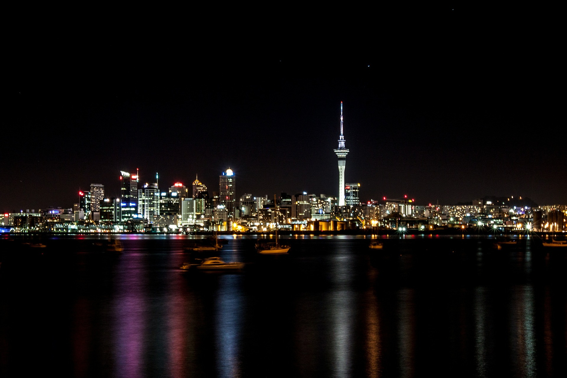 Auckland-sky-tower-landscape