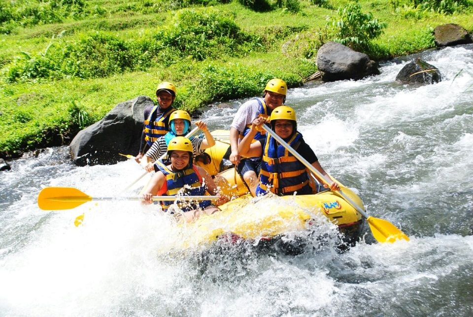 River rafting at Telega Waja