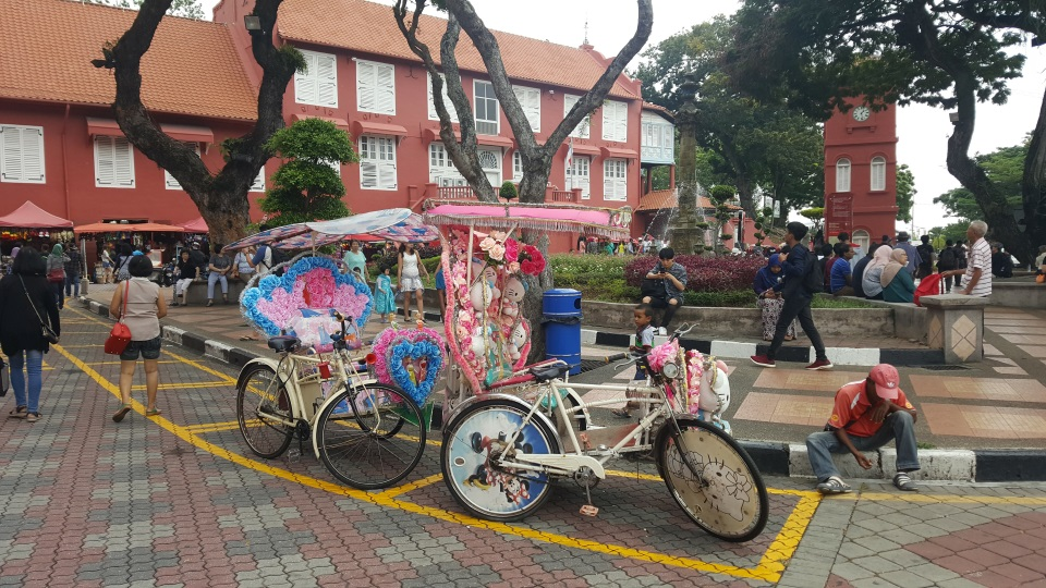 Hello Kitty rickshaw
