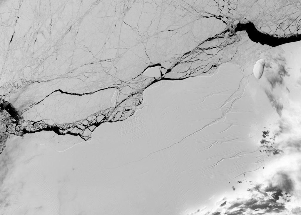 Antarctica iceberg break