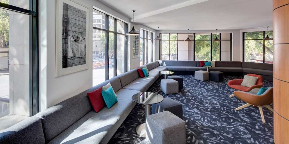 Travelodge Hotel Sydney - 3 Star Property