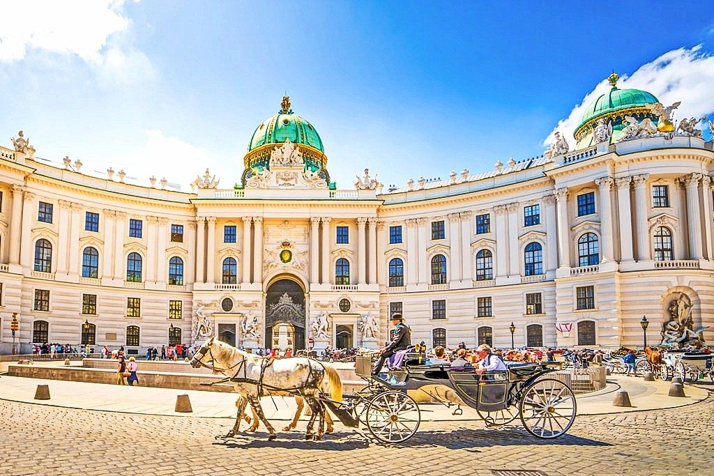 things to do in austria, hofburg