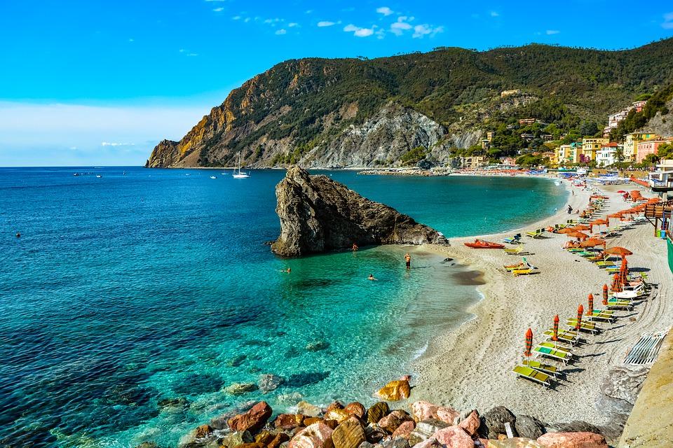 Italian Riviera,italy beach holidays