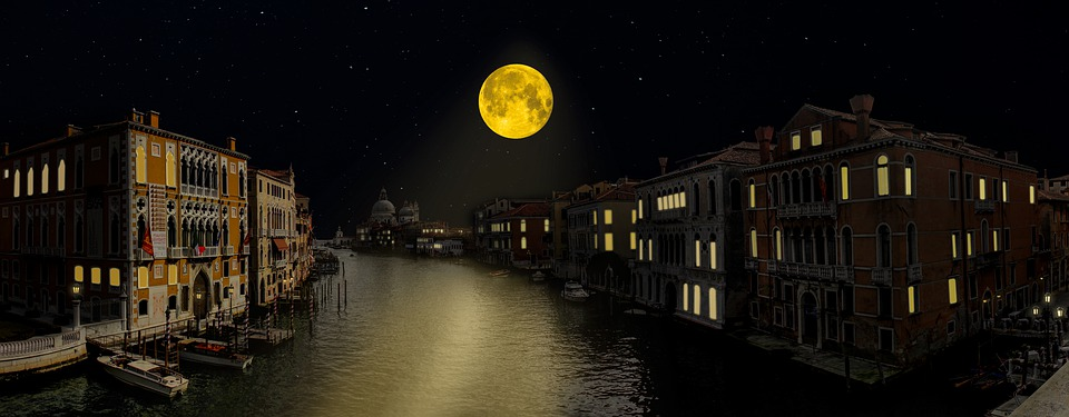 Venice, honeymoon destinations in Italy