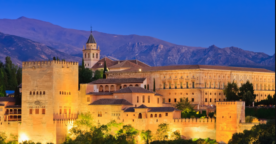 Alhambra,Top things to do in Spain