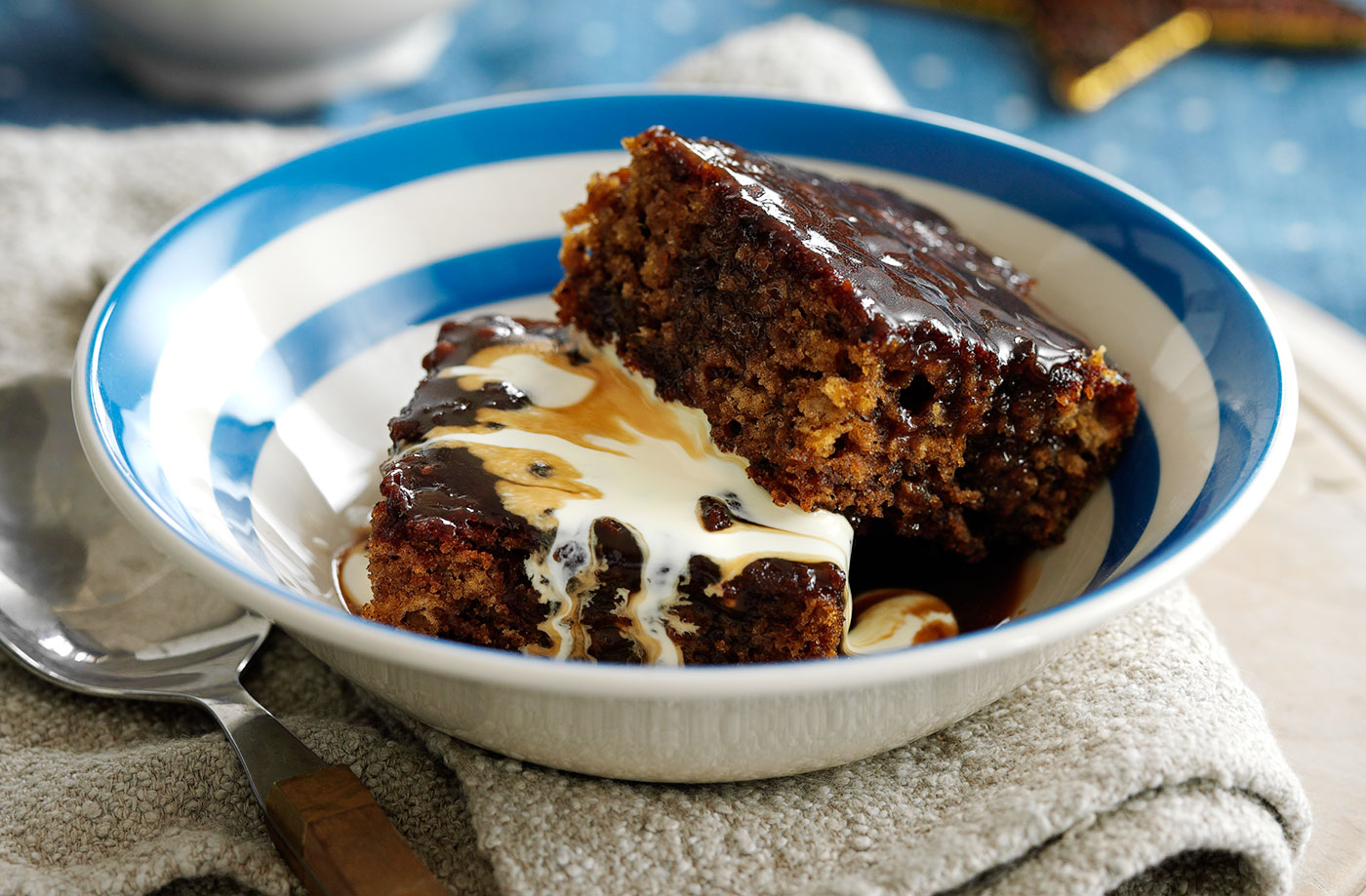 sticky toffee pudding,Top must-eats in the UK