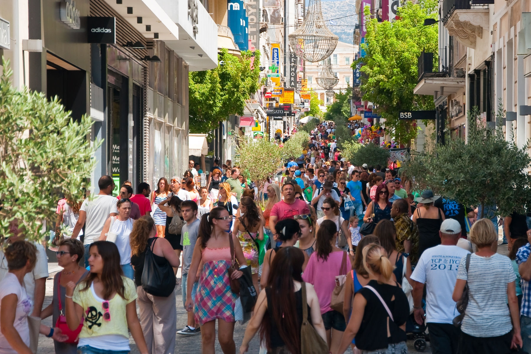 Ermou Street Clothes Shopping,places to shop in Greece