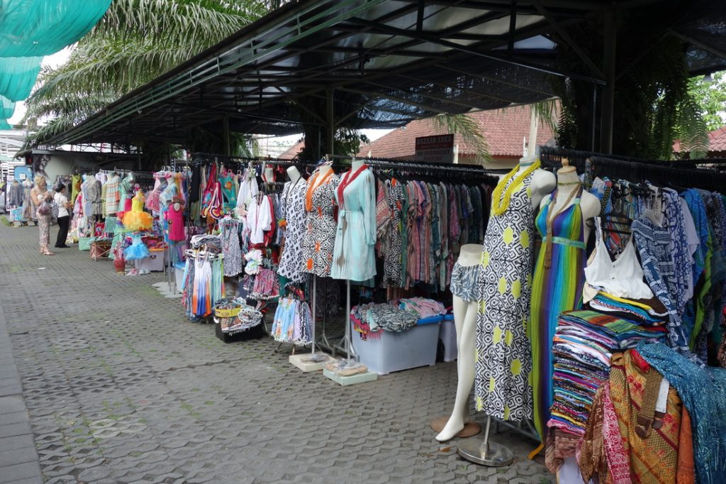 Garlic lane shopping street kuta