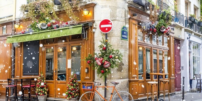 Parisien Cafe In Christmas